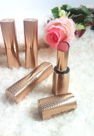 Beautiful rose golden packaging!