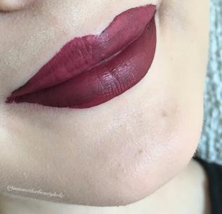 Ricco-Lipswatch